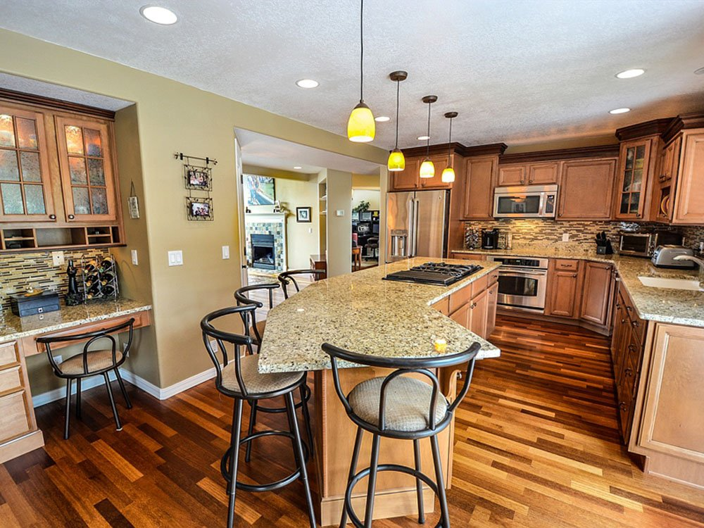 7 Best Kitchen Flooring Options For Your Hamptons\' Home 2019 ...